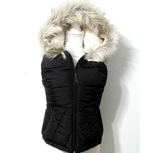 Hollister Womens Sherpa Faux Fur Hood Puffer Vest